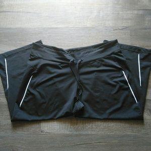 Adidas workout capris Size XL